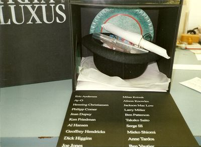 FLUXUS - VIRUS BOX